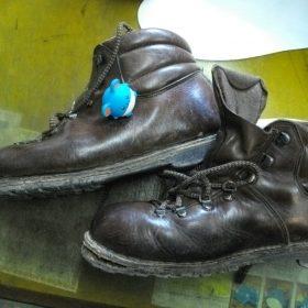 登山靴修理例です