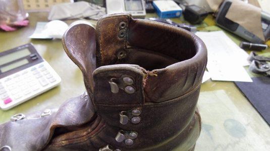 登山靴 履き口パッド 補修例 2-1