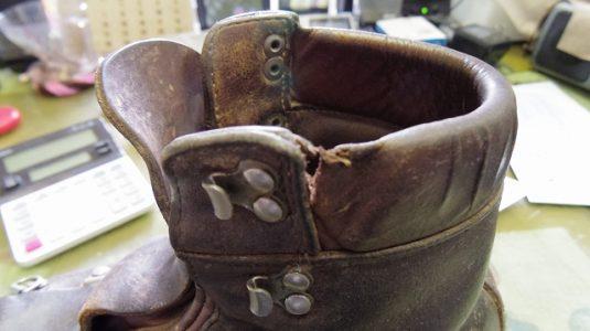 登山靴 履き口パッド 補修例 2-2