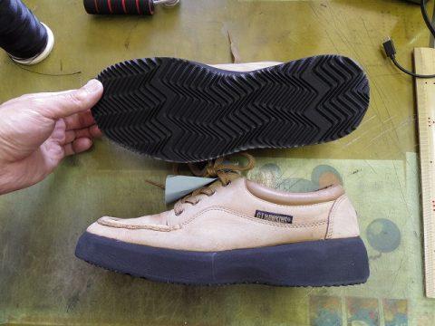 ポリウレタンソール靴のオールソール例 3