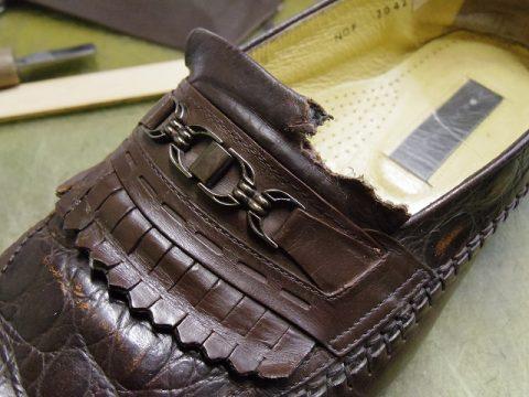 犬にかじられた靴の修理例 2