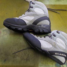SCARPA 登山靴修理例です