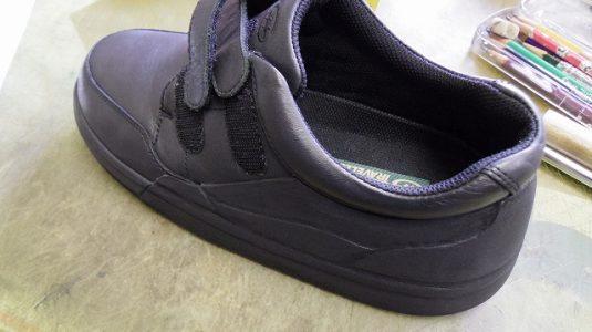装具だけでは庇いきれない靴に補助機能を付けた加工例 4-2