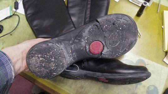 CAMPER ブーツ オールソール例 2-1