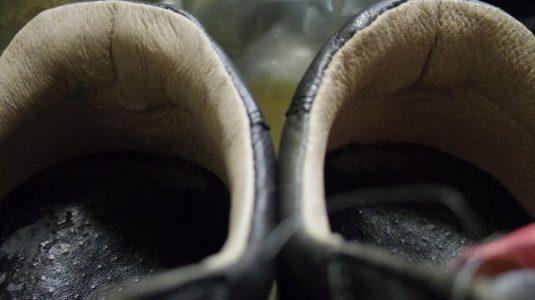 革製スニーカー ライニング(すべり革)補修例 4-1