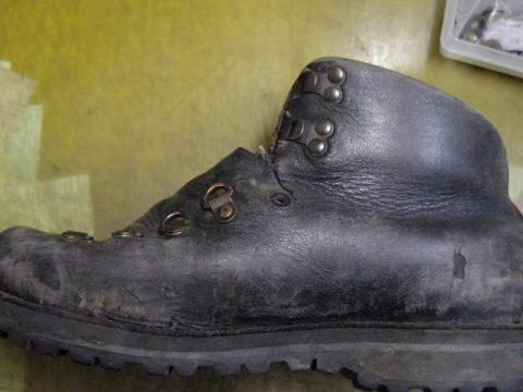 ブーツ 破れ補修例 2-1