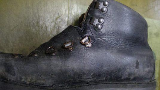 ブーツ 破れ補修例 3-1