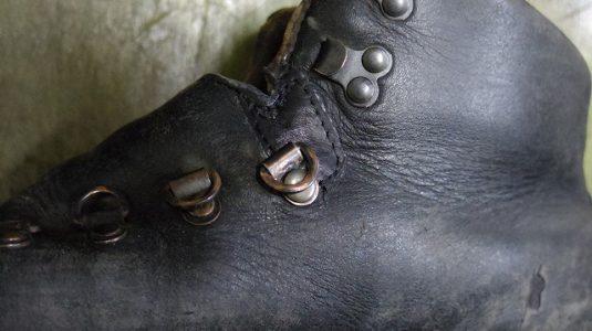 ブーツ 破れ補修例 3-2