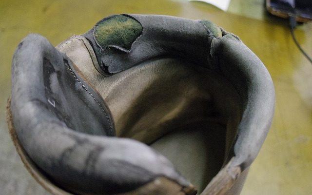 登山靴 履き口補修例