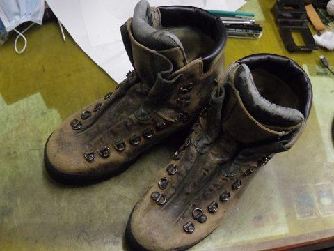 登山靴 履き口補修例 3-1