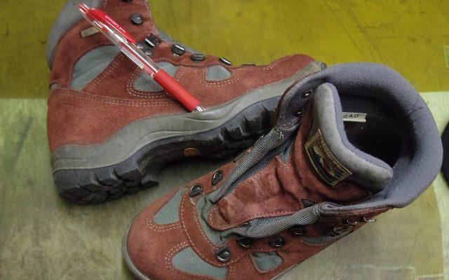 登山靴 貼り直し例
