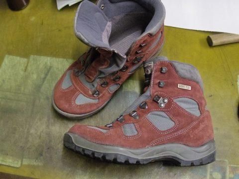登山靴 貼り直し例 3